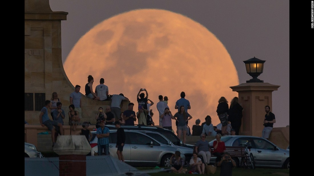 """Crowds in Fremantle, Australia, look at <a href=""""http://www.cnn.com/2016/11/14/world/supermoon-november-2016/"""" target=""""_blank"""">the supermoon</a> on Monday, November 14. NASA scientists say the moon is brighter than it has appeared at any point in the last 68 years."""