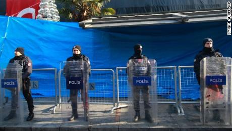 Turkey vows to find nightclub shooter