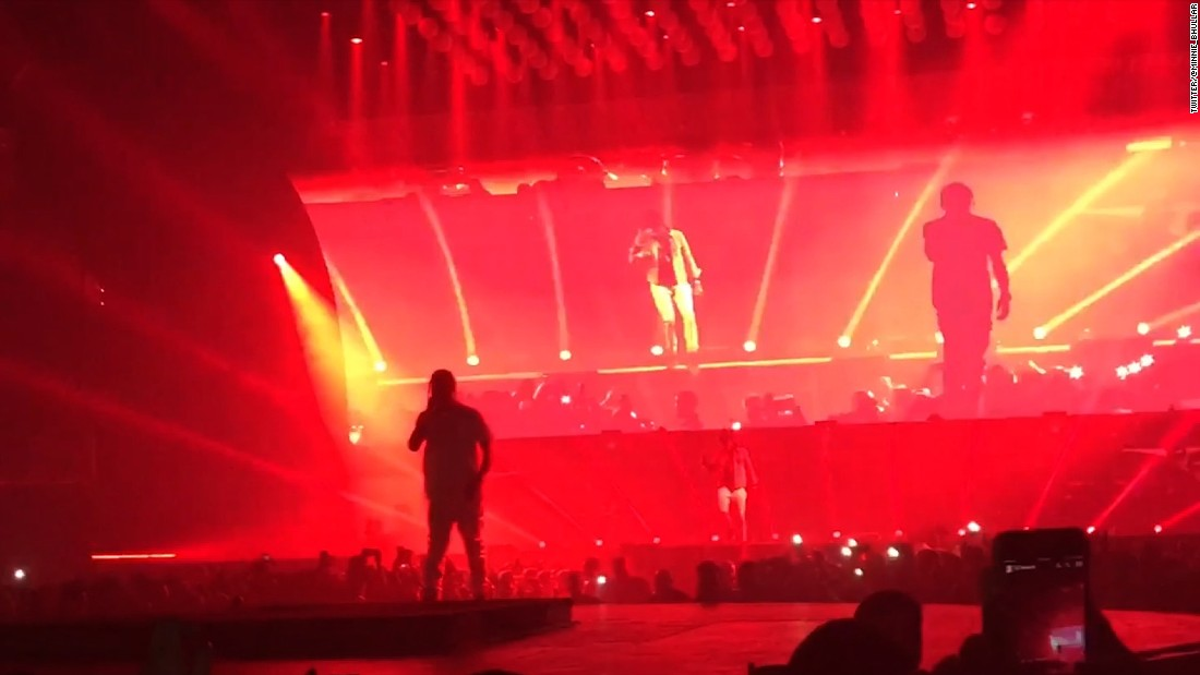 Harry Styles Fall Wallpaper Rapper Falls On Stage With Drake Cnn Video