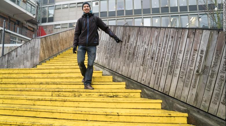 """The wooden pedestrian bridge """"de Luchtsingel"""" in Rotterdam, Netherlands, was financed by crowdfunding."""