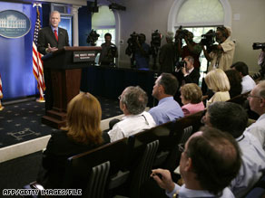 Members of the press corps are expressing admiration for late White House spokesman Tony Snow.