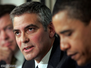 Clooney denies giving Obama policy advice.