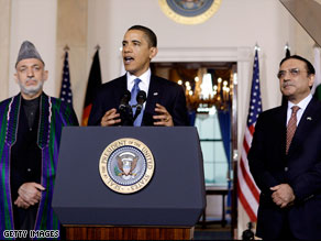 President Obama is flanked by Afghan President Hamid Karzai (left) and Pakistani President Asif Ali Zardari.