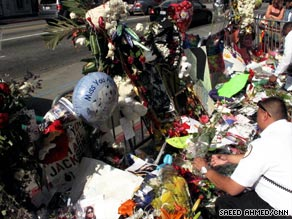 Graumann's Chinese Theatre in Los Angeles is the scene of a makeshift Michael Jackson memorial Wednesday.