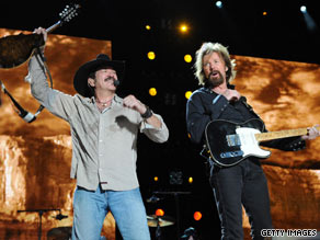 Kix Brooks and Ronnie Dunn have decided to call it quits as a country singing duo.