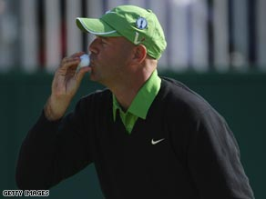 Cink kisses the ball after his crucial birdie putt on the 18th.