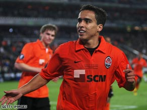 Jadson celebrates his winning goal as Shakhtar Donetsk became the final team to lift the UEFA Cup.