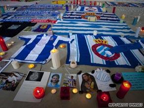 Espanyol fans have begun a memorial for captain Daniel Jarque following his sudden death on Saturday.