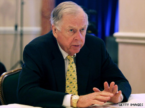 T. Boone Pickens says the capital markets will not support his plans to build the world's largest wind farm.