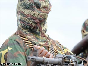 Militants from the Movement for the Emancipation of Niger have attacked soldiers escorting oil workers.