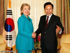 U.S. Secretary of State Hillary Rodham Clinton meets President Lee Myung-Bak in Washington, June 15, 2009.