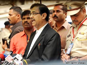 Chief public prosecutor Ujjwal Nikam downplayed offer by Kasab's lawyer to withdraw from the case.