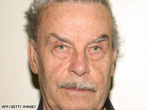 Josef Fritzl is expected to plead guilty to rape and incest on Monday, his lawyer tells CNN.