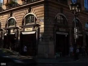 The prestigious Chopard store in Paris was the site of a brazen holdup Saturday.