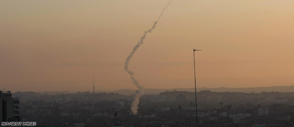 Rockets continue despite Israeli strikes