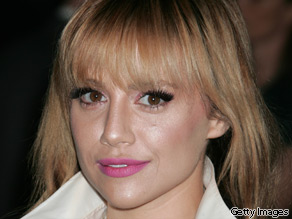 Actress Brittany Murphy was pronounced dead at 10:04 a.m. PT, according to a spokesman at Cedars-Sinai Medical Center. She was 32.