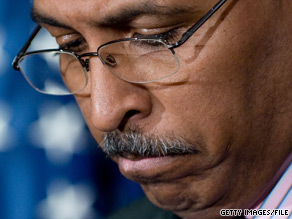 RNC Chairman Michael Steele spent Saturday calling fellow Republicans to explain his controversial remarks on Afghanistan and trying to build support against calls for his resignation.