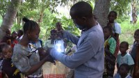 Solar lamps lifting Kenyans out of poverty - CNN.com