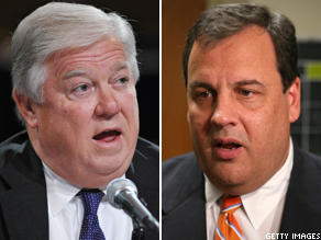 Mississippi Governor Haley Barbour (L) and New Jersey Governor Chris Christie (R).