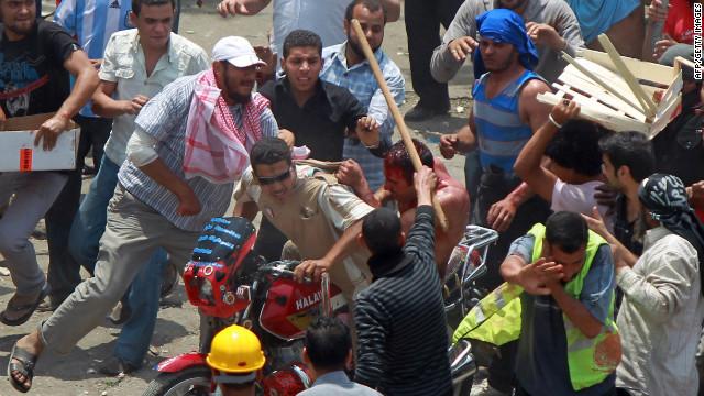 Manifestantes llaman a protestas masivas contra la violencia en Egipto