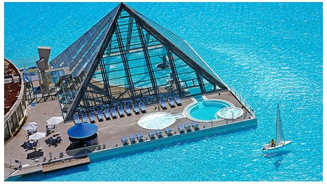 La piscina más grande del mundo mide más de un kilómetro y tiene 35 metros de hondo