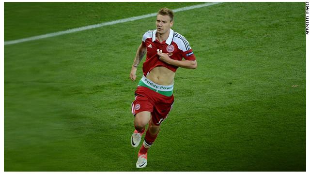 Los calzoncillos de un futbolista de Dinamarca causan polémica en la Eurocopa