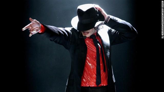 Sony Mobile anuncia parceria com a Propriedade de Michael Jackson 120625040413-mj-16-story-top