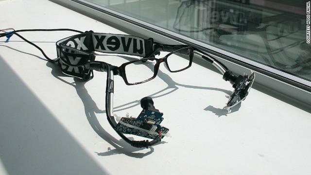 Un dispositivo de 30 dólares permite controlar una computadora con los ojos