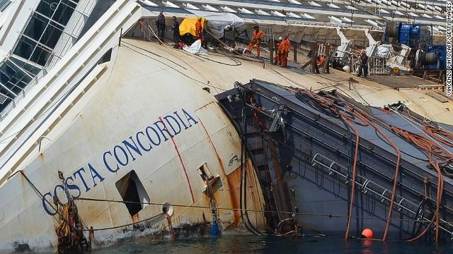 Photos: The Costa Concordia disaster