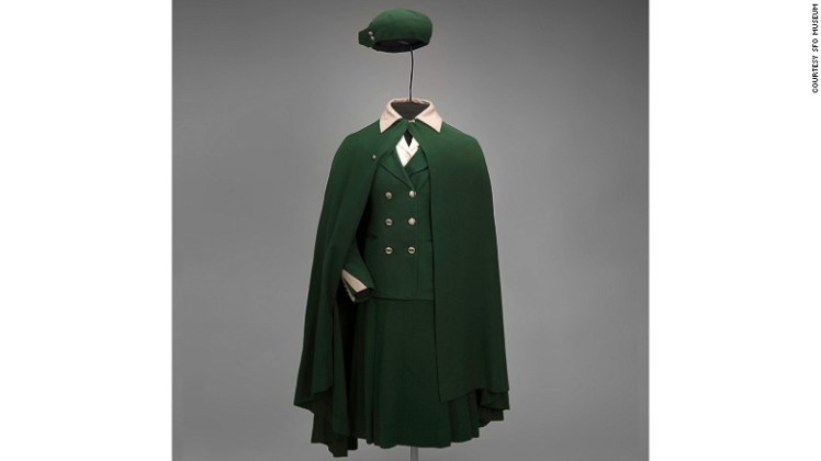 A United Airlines reproduction of a woolen uniform worn from 1930 to 1932.