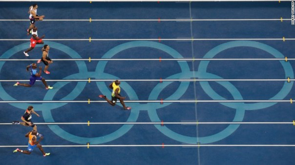 Overhead view of Bolt's 200m final win.