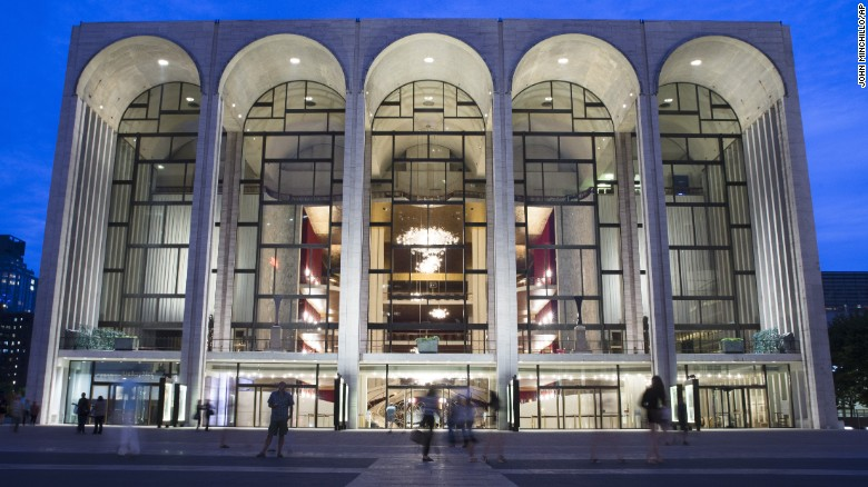 """The Metropolitan Opera will offer refunds after a performance of """"William Tell"""" was canceled."""