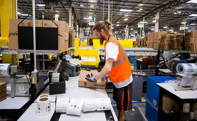 Amazon Says It Will Create 100 000 U S Jobs