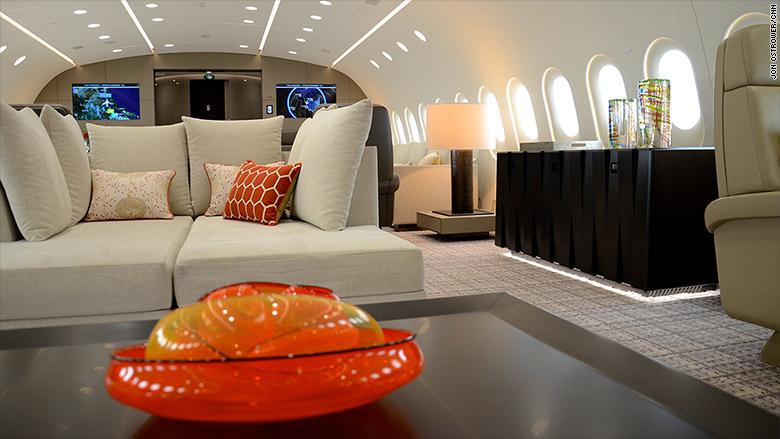 deer jet dreamliner 4