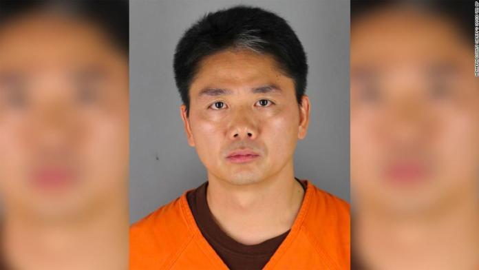 Le directeur technique chinois, Richard Liu, arrêté, puis libéré aux Etats-Unis