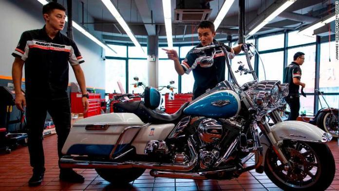 04 US China trade FILE Harley Davidson