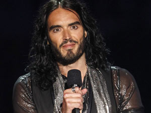 https://i0.wp.com/i2.cdnds.net/11/35/music_vma_2011_russell_brand.jpg