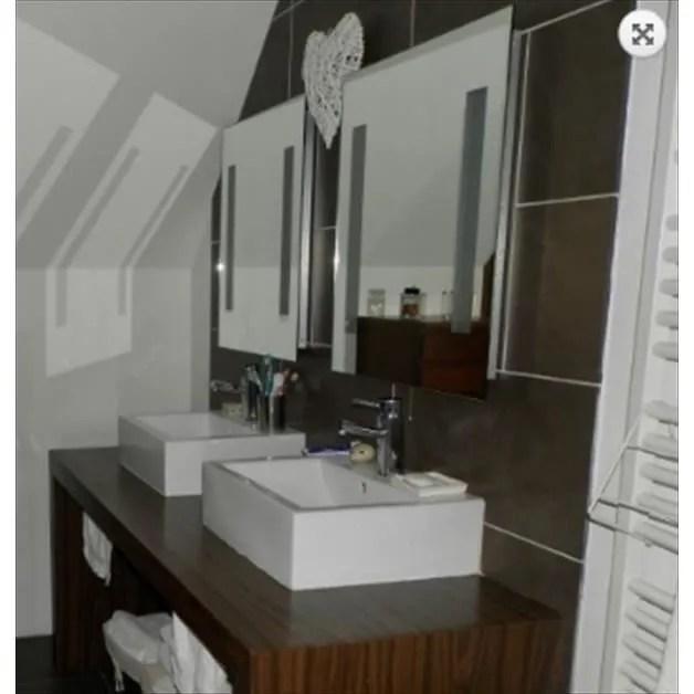 Miroir De Salle De Bain Avec Avec Une Prise Rasoir Achat Vente Miroir Salle De Bain Cdiscount