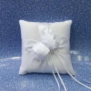 poubelle tri selectif coussin de belle bague de mariage bague fleur cous
