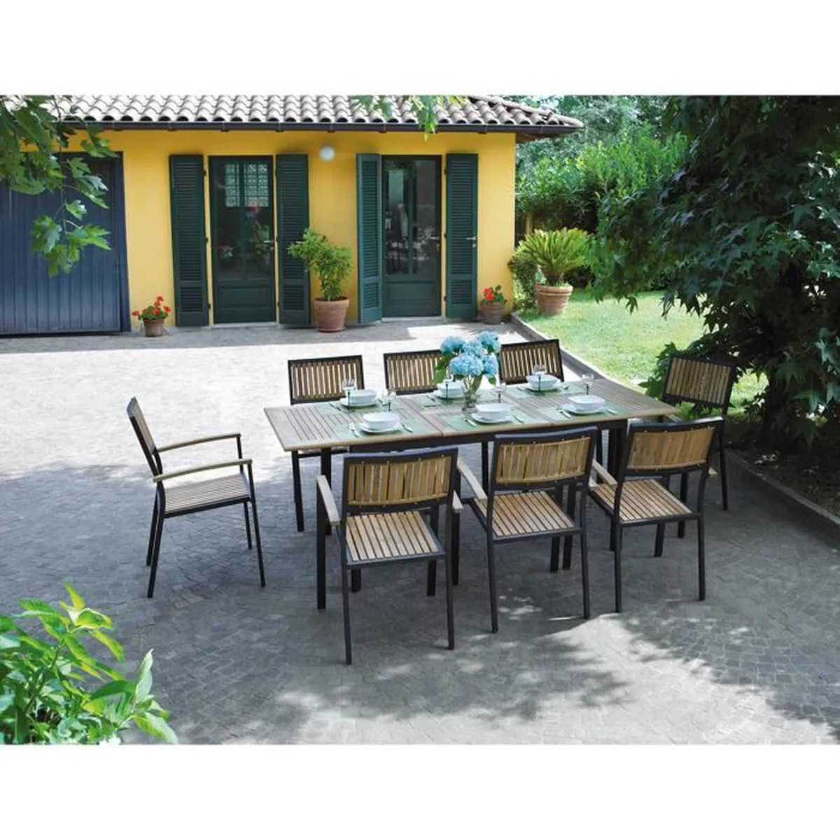 Table De Jardin Et Chaises En Teck