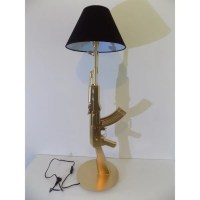 LAMPE DESIGN AK47 KALASHNIKOV luminaire mot