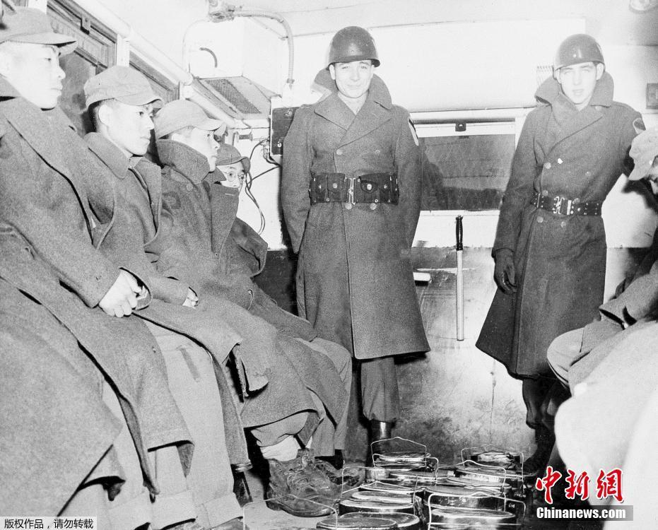 歷史圖片:再現日本二戰戰敗-中新網