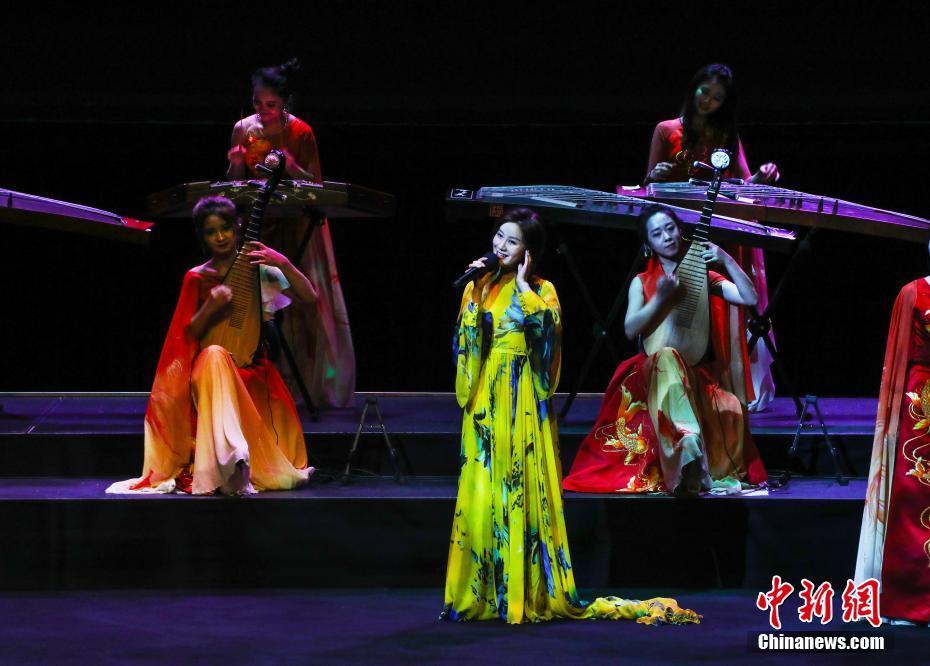 國際知名音樂團體女子十二樂坊首次進入悉尼歌劇院-中新網