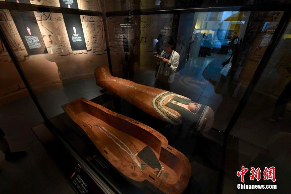 香港大英博物館藏品展游歷二百萬年人類故事-中新網