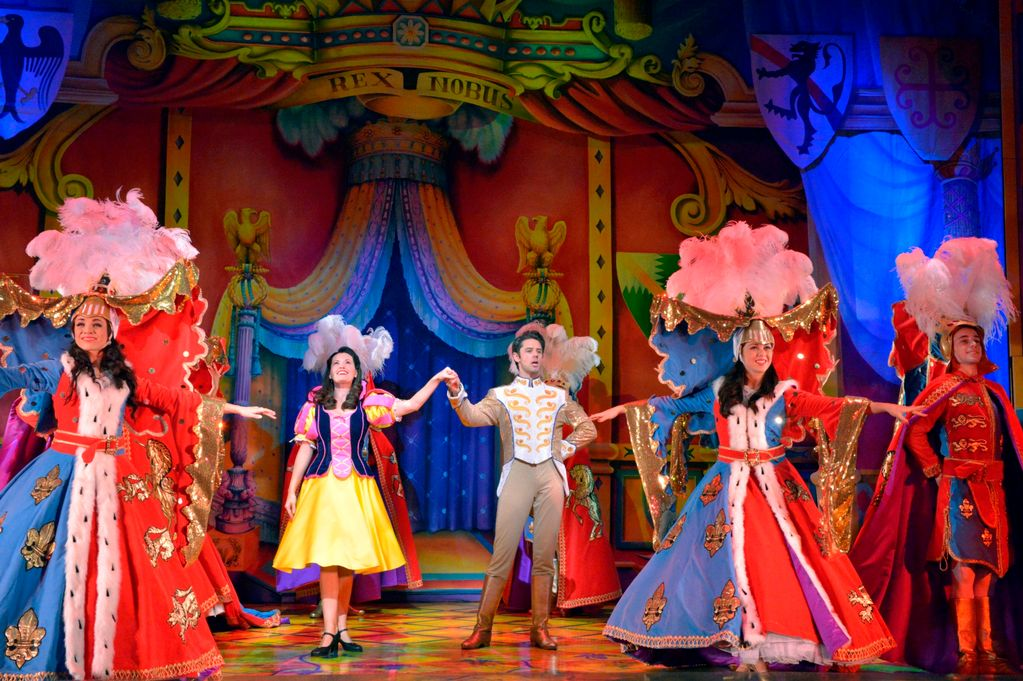 REVIEW Snow White Newcastle Theatre Royal until January