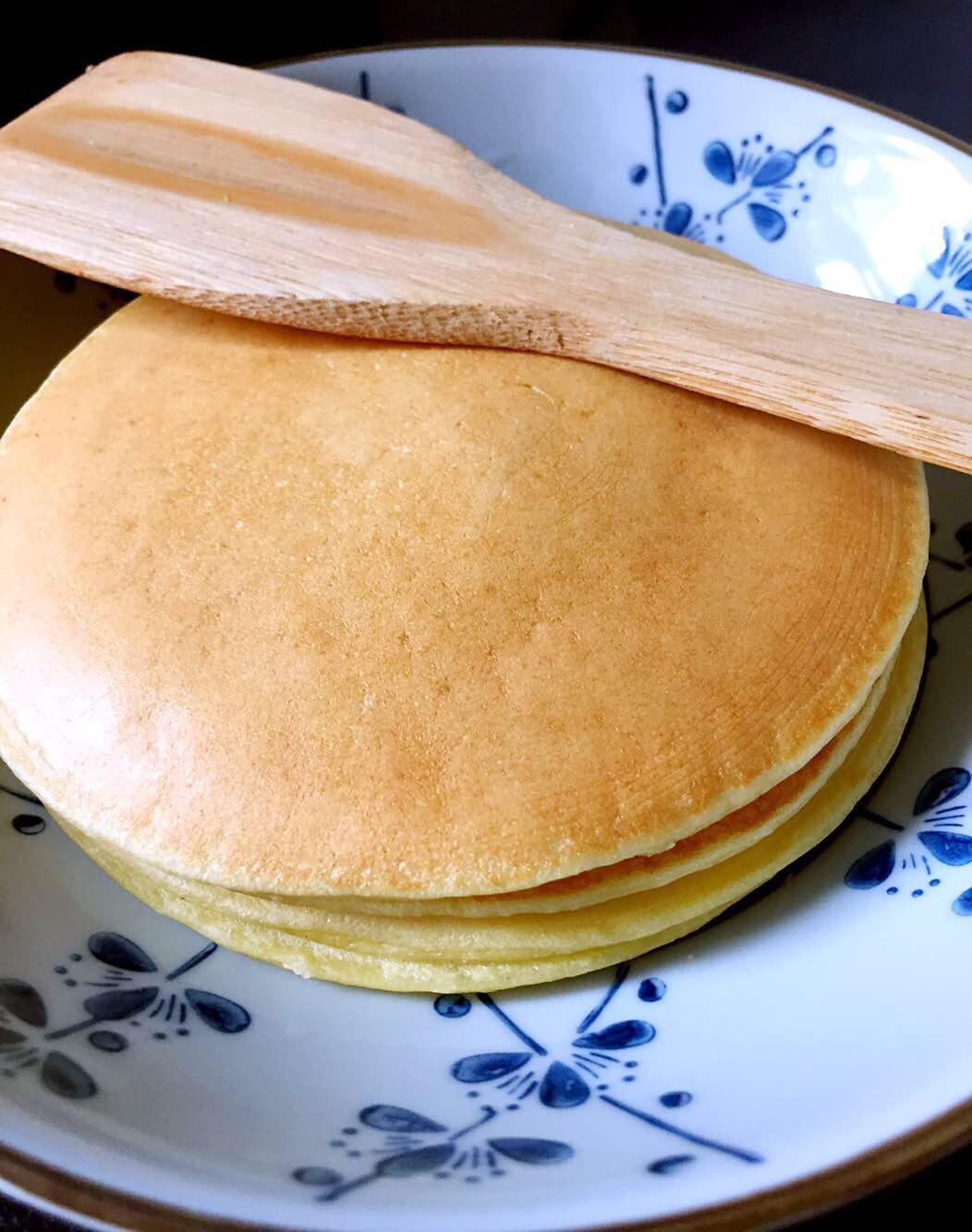 ellas kitchen baby food brass faucet 婴儿食品 下厨房 宝宝辅食 香蕉松饼