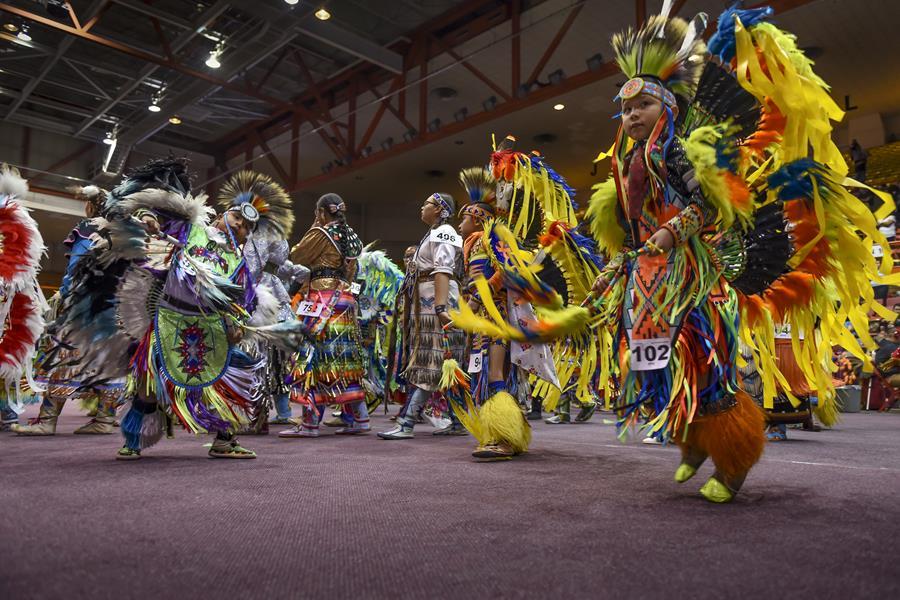 Black Hills powwow dancers