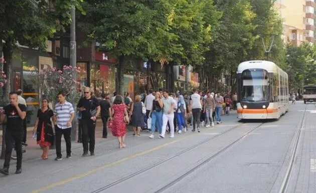 1 Mart'ta hangi illerde kısıtlamalar kalkıyor? İzmir, Ankara ve İstanbul'da normalleşmeye ne zaman geçilecek?