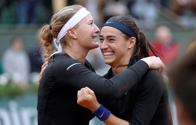 Kristina Mladenovic et Carolien Garcia, vainqueures du tournoi de double dames de Roland-Garros