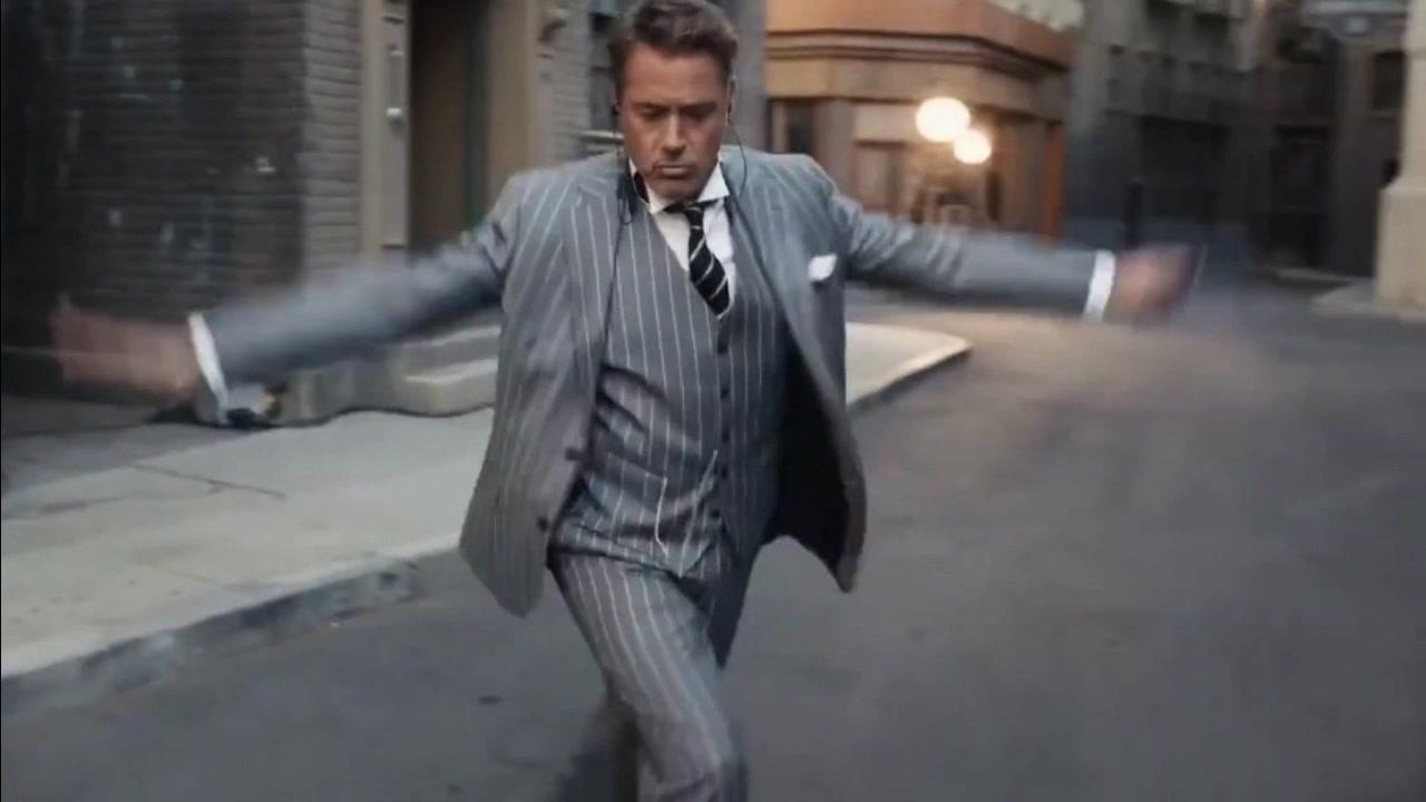 給唐尼這段舞蹈加上各種BGM 手里的星爵突然就不傻了_嗶哩嗶哩 (゜-゜)つロ 干杯~-bilibili